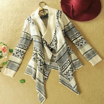 Long-sleeved cardigan sweater coat irregular geometry A 080506